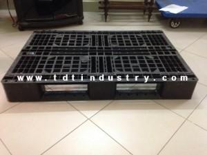 Pallet nhựa qua sử dụng 1100x1100x130 mm