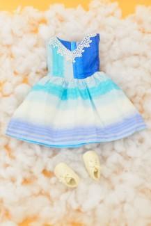 Đầm xanh ren
