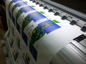 Quy trình in ấn được thực hiện trên dàn dây chuyền tự động tân tiến, đáp ứng cao về màu sắc, chất lượng hình ảnh, độ phân giải, mang đến cho bạn một thành phẩm hoàn mỉ