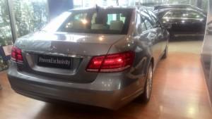 Mercedes-Benz E400 màu ghi xám