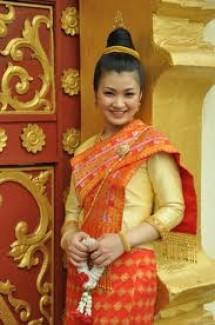 Học tiếng Lào với giáo viên bản xứ