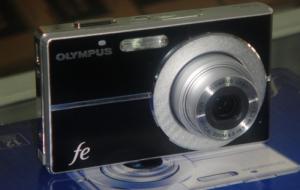 Máy chụp hình OLYMPUS FE-3010,MADE IN JAPAN.MỚI 100%