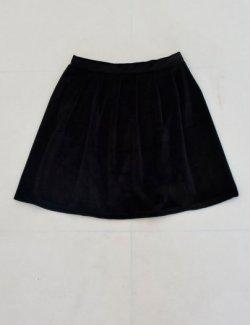 Váy nhung đen xòe