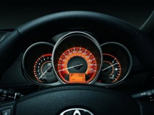Toyota Yaris 1.3G ưu đãi giá, giao ngay