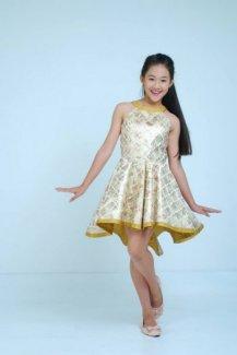 Đầm đuôi cá hoa vàng