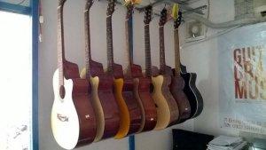 Lợi ích của việc chơi guitar - Guitar Ân Điển