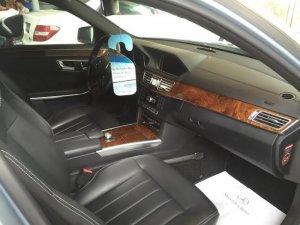 Bán xe Mercedes Benz E400 màu Bạc