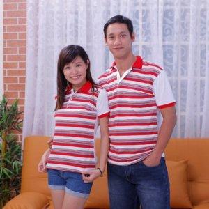 Áo thun cặp đẹp, thân trước sọc, thân sau trắng, cổ bẻ đỏ, tay bo đỏ - Giá bán 350.000
