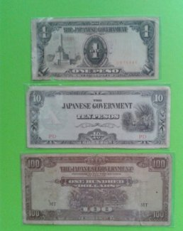 3 tờ tiền Nhật. Như hình. Có phơi nilon bảo quản.