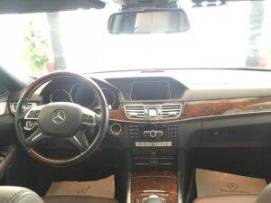 Bán xe Mercedes E400 2014 màu trắng xe rất mới
