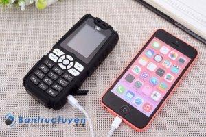 Điện thoại landrover A8+ sạc pon cho máy khác