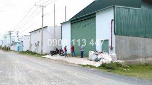 Cho thuê nhà xưởng 1300 m2 tại Đức Hòa - Long...
