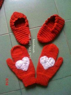 Giày len - găng tay trái tim