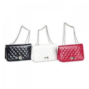 Ví Nữ Cầm Tay TATXV0815001 | Giá: 130,000 đồng| Loại: Túi xách| Chất liệu: simili bóng | Màu sắc: đỏ, đen, trắng | Kiểu quai: Đeo chéo| Họa tiết: Trơn bóng| Trọng lượng: 300g|Kích thước: 25x15 cm| Mô tả: chất liệu cao cấp, thiết kế nổi bật với khóa kim loại chắc chắn tiện dụng, màu sắc đa dạng cho bạn lựa chọn: đen, đỏ, trắng,…Đường may cẩn thận tỷ mỉ, quai đeo chắc chắn sang trọng.