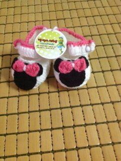Giày len Mickey