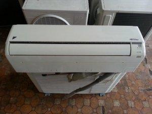 Ngô Hoàng bán máy lạnh cũ giá rẻ máy chạy cực...