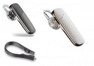 Tai Nghe Bluetooth Plantronics Explore 500 Tai Nghe Bluetooth Plantronics Explorer 500 chắc chắn sẽ là một chiếc tai nghe hoàn hảo khi kết hợp với Samsung note 4 hay iPhone 6 plus, Note 5,... Plantronics Explorer 500 tạo ấn tượng với người dùng nhờ thiết kế dây sạc điện thoại như một chiếc dây trang trí. Sản phẩm kết nối với các thiết bị khác qua bluetooth 4.0 nhanh và ổn định. - Thiết kế nhỏ gọn xinh xắn với chất liệu nhựa giả da tạo nét sang trọng cho sản phẩm. - Sản phẩm chính hãng nhập trực tiếp từ USA mới 100%, Fullbox, nguyên seal. Bảo hành 06 tháng (1 đổi 1). Bạn có thể chọn màu đen sang trọng hay màu trắng thanh lịch Giá: 1.650.000đ