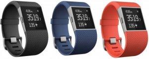 Fitbit Surge - Black - đồng hồ chuyên nghiệp. Giá:      Fitbit Surge được thiết kế kết hợp với kiểu dáng vòng đeo tay và đồng hồ thông minh.     Tính năng đồng hồ cho phép hiển thị tên hoặc số điện thoại người gọi đến, tin nhắn SMS, trình điều khiển nhạc đến smartphone.     Theo dõi vận động, số bước đi, km, calorie tiêu thụ,     Theo dõi thời gian + chất lượng của giấc ngủ     Tính năng theo dõi nhịp tim 24/7 nhờ cảm biến công nghệ PurePulse tích hợp.     Nhận diện tốt hơn bước đi thang bộ và cả thang máy     Sử dụng màn hình LCD cảm ứng nhưng pin vẫn đạt khoảng 5 ngày.