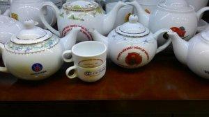 Chuyên in ấn ấm chén, cốc, bát đĩa, bộ trà làm quà tặng
