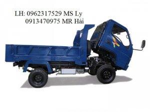 THIẾT KẾ  Màu sắc: Xe ben Veam VB150 có 2 màu chủ  đạo được Veam Motor bán hiện nay là màu xanh dương và xanh rêu. Với thiết kế tối màu, VB150 mang lại sự nhã nhặn, sang trọng nhưng không kém phần mạnh mẽ và cá tính. Ngoại thất:  - Xe ben Veam VB150 có thiết kế tổng quan hài hòa mang đến vẻ đẹp mạnh mẽ và hiện đại. -  Cabin xe ben Veam VB150 kiểu lật với góc rộng giúp thao tác kiểm tra và bảo dưỡng xe được thuận tiện và dễ dàng.  - Tầm nhìn phía trước khoáng đạt, có thể quan sát được toàn bộ không gian phía trước, giúp xe tránh chướng ngại vật và di chuyển an toàn vào ban đêm  - Các cụm đèn với hệ thống đèn LED độ sáng cao và cụm gương giúp lái xe dễ dàng quan sát đường đi trước và sau xe vào cả ban ngày lẫn ban đêm. - Dè chắn bùn bảo vệ bánh xe