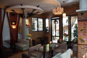 Cần sang quán cafe tại trung tâm quận Bình...