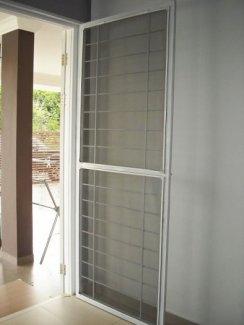 Cửa lưới chống muỗi dạng đóng mở. Bảo hành 5 năm 700k/m2