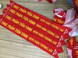 Dải băng đeo chéo cho chương trình sự kiện là một trong những ứng dụng in silk được khách hàng đặt in phổ biến tại In Kỹ Thuật Số