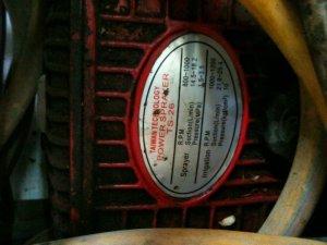 Bán máy bơm áp lực TAIWAN rửa xe, đang dùng rửa hàng xử lý hóa chất trước khi Sơn Tĩnh Điện