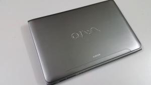 Bán Laptop Sony SVE15 Coi5-3210M/ Ram 4g/ HDD 500G/ VỎ NHÔM/PHÍM LED