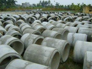 Sản xuất ống cống bê tông li tâm.