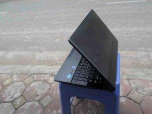 Laptop Samsung 300e cũ chất lượng như mới...