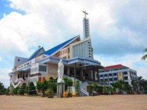 Tour Hành Hương Viếng Nhà Thờ Tắc Sậy Chùa Bà Nam Hải 1n1đ