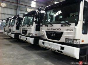 Bán xe đầu kéo Daewoo M2SEF 4X2 340PS 33 tấn 2015