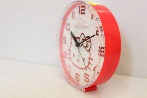 Đồng hồ để bàn hello kitty màu hồng dễ thương với giá cả ưu đãi hấp dẫn !