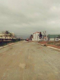 Cần tiền nên bán gấp lô đất tại trung tâm thị trấn Núi Thành