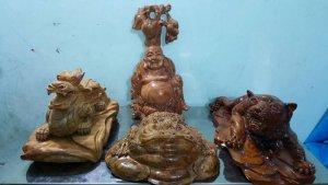Tượng Phật Di Lặc,linh vật Cóc tài lộc phong thủy bằng gỗ xá xị thơm.
