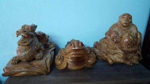 Tượng linh vật Tỳ Hưu,Cóc ngậm tiền,Khỉ tài lộc phong thủy bằng gỗ xá xị thơm.