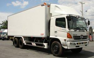 Bán xe tải Hino FL 16Tấn thùng mui bạt thùng kín trả góp lãi suất thấp