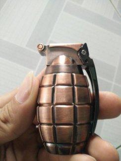 Hộp quẹt lựu đạn