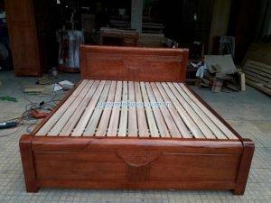 Giường gỗ xoan đào cây tự nhiên