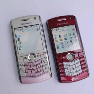 BlackBerry 8110 nguyên bản, đẹp 99%, với sạc cáp đi kèm, Màu Đỏ Và Trắng