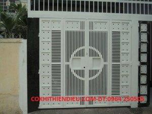 Cửa sắt  giá rẻ- bền- đẹp- chất lượng cao