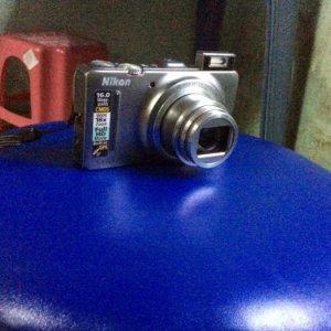 Bán máy ảnh NIKON S9300 màu xám