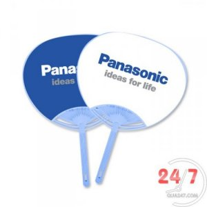 Tặng khách hàng quạt nhựa có in logo, hình ảnh sản phẩm công ty