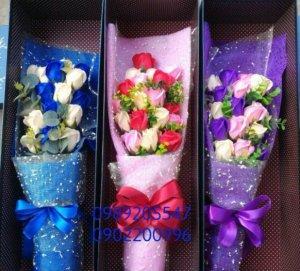 Hộp hoa sáp cao cấp 11 bông