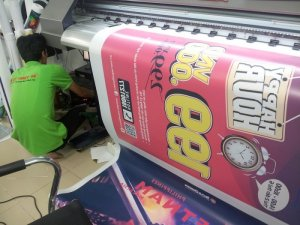 In backlit film nhanh làm hộp đèn quảng cáo | In nhanh backlit film