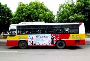 Quảng cáo trên xe Bus nội thành Hà Nội