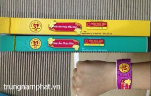 Hình ảnh: dây đeo cổ tay bằng giấy tyvek tại 1 sự kiện