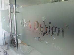 In decal trong giới thiệu doanh nghiệp, cửa hàng chuyên nghiệp