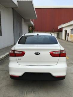 Kia Rio MT nhập khẩu nguyên chiếc, màu trắng, trả góp tới 80%, nhiều quà tặng hấp dẫn